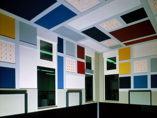 Theo van Doesburg, ontwerp interieur grote feestzaal van L'Aubette in Straatsburg, (1928) reconstructie 1968, schaal 1 ; 5. Collectie Van Abbemuseum, foto Peter Cox