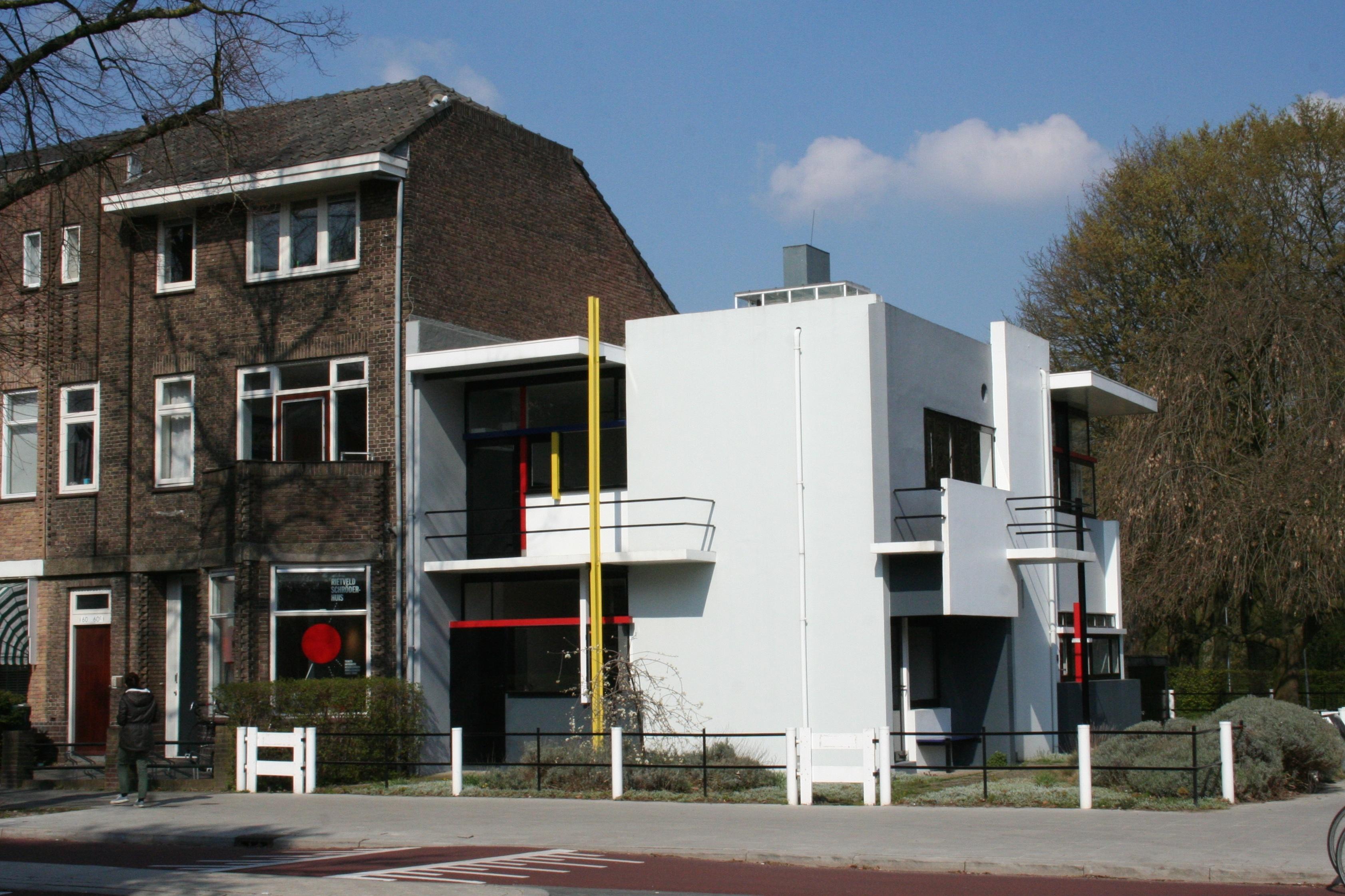 http://rechthoekig.nl/wp-content/uploads/rietveldschroderhuis-100jaardestijl-andrew-sides.jpg